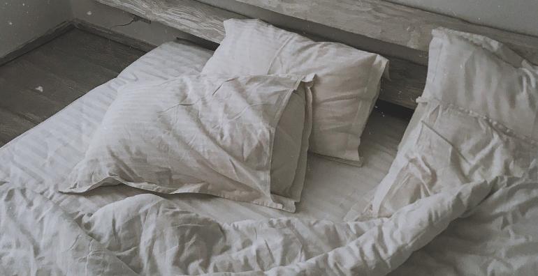 latex-vs-innerspring-mattress